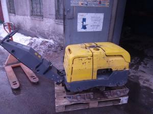 Аренда реверсивной виброплиты с дизельным двигателем 700 кг и более